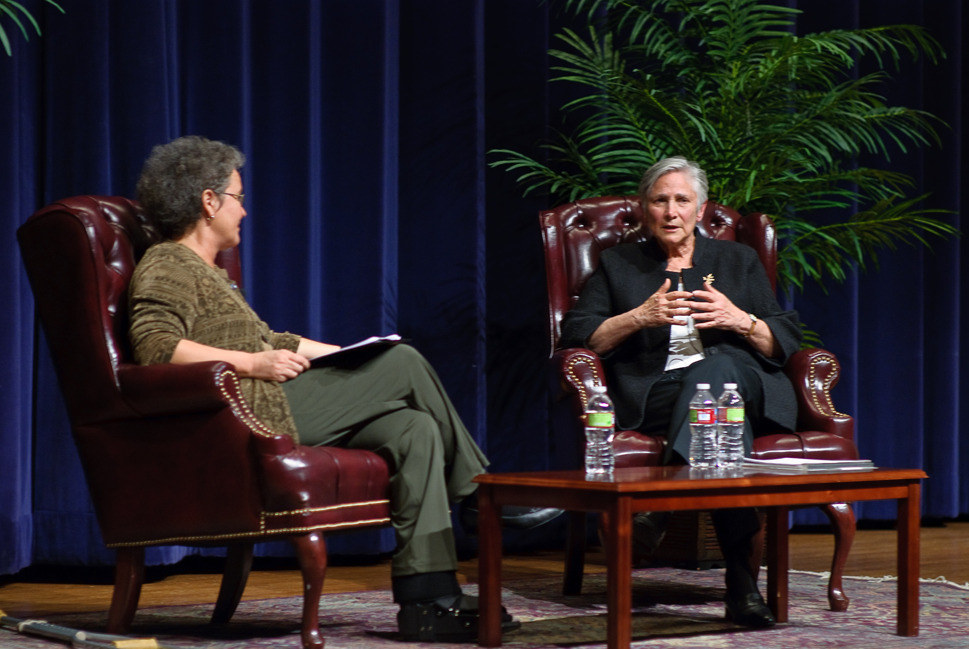Photo of Diane Ravitch and Linda Darling-Hammond on stage discussing.