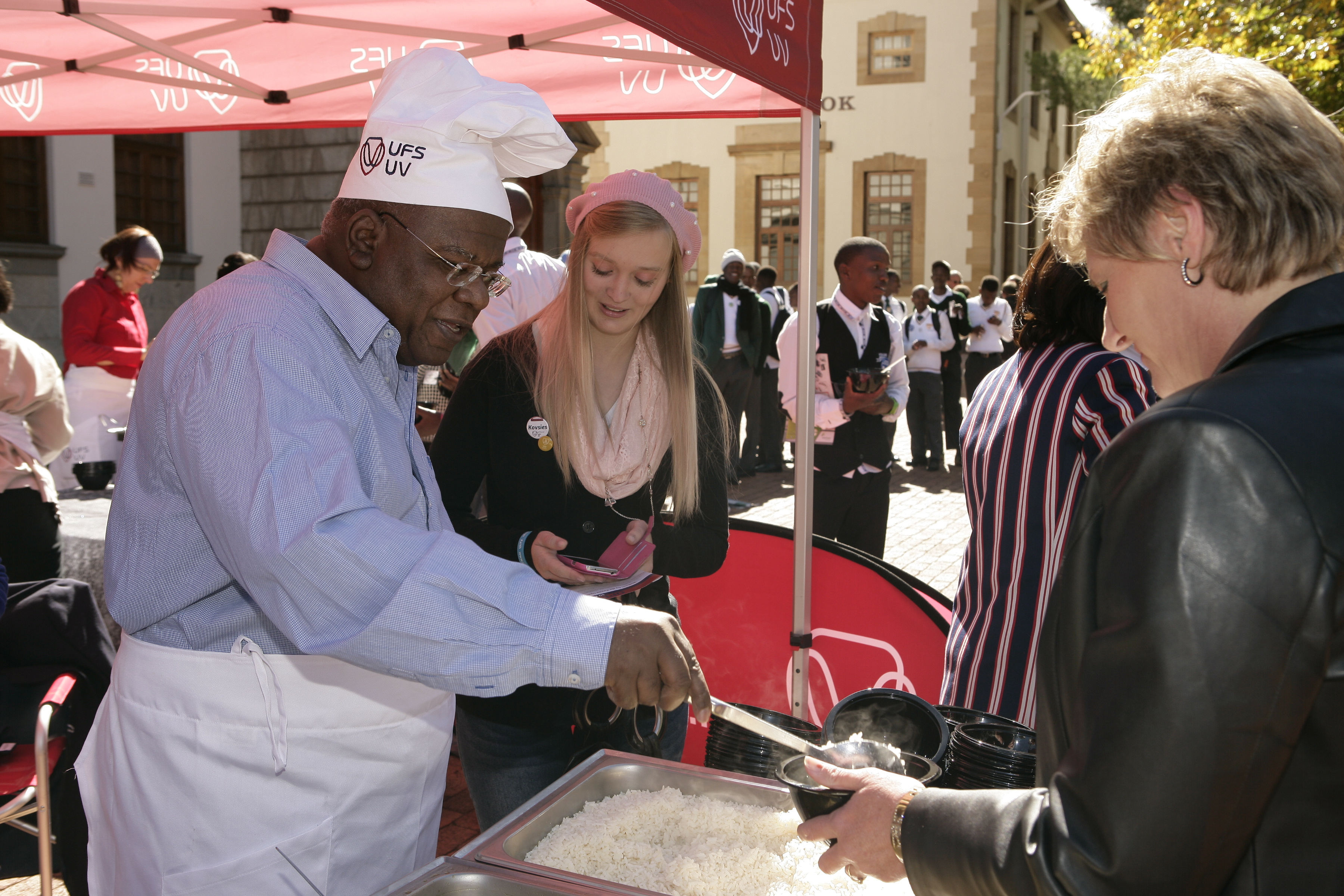 Jonathan Jansen serves lunch to parents and prospective students on Open Day earlier this year at the University of the Free State.