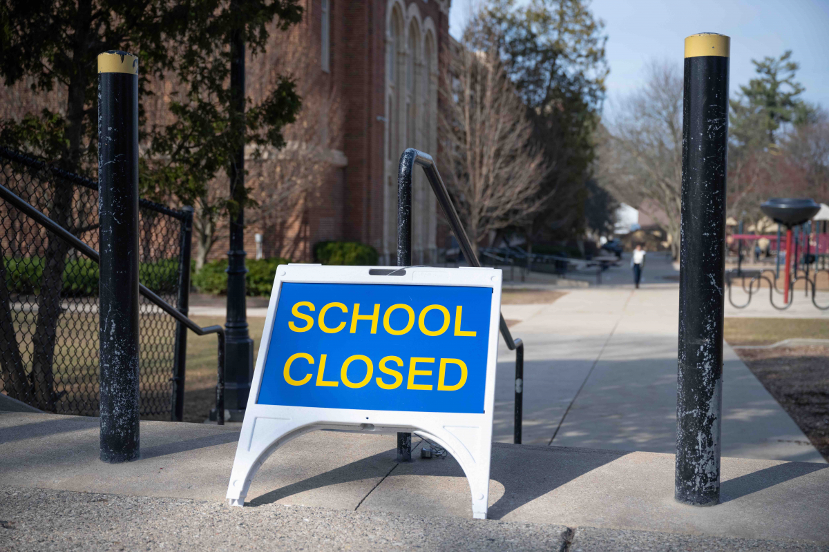 Picture of school closed sign
