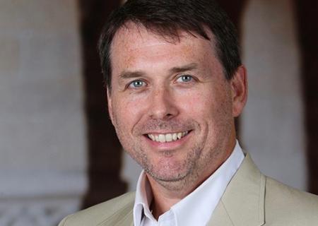 GSE Professor Thomas S. Dee has been named the Barnett Family Professor of Education.