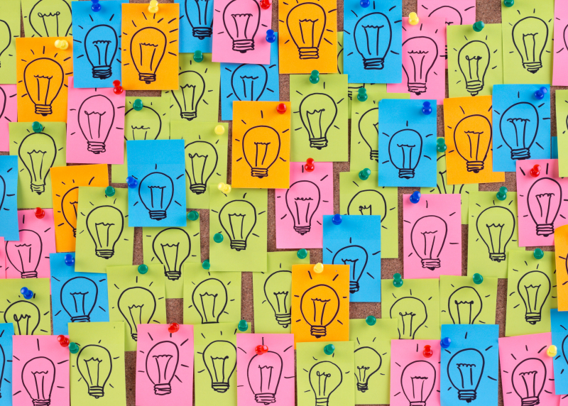 photo of post-it notes with lightbulbs