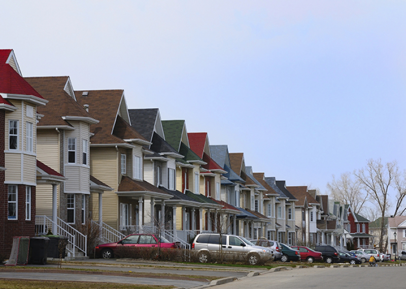 A new study raises questions about how segregation among U.S. neighborhoods could lessen opportunities for blacks and Hispanics at all income levels. (©iStock.com/Daniel Krylov)