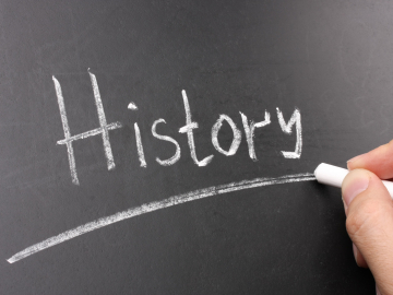 "Image of the word ""HISTORY"" on a chalkboard"