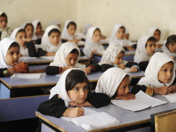 Children attending school in Kandahar, Afghanistan. (Image credit: Global Partnership for Education / Jawad Jalili)