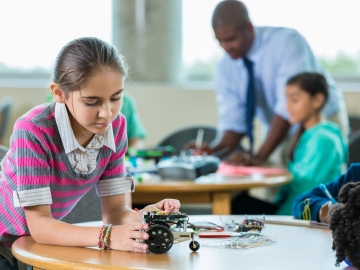 Stanford scholars untangle science of learning in new book. (Getty Images)