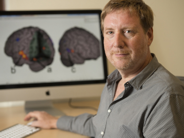 A study, co-authored by Professor Bruce McCandliss, provides some of the first evidence that a specific teaching strategy for reading has direct neural impact. (Photo: L.A.Cicero/Stanford News Service)
