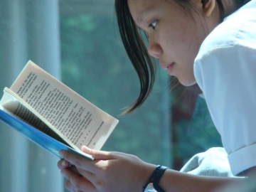 How can teachers help students get the most out of reading literature? (Photo: Nova Jacobs/Flickr Creative Commons)