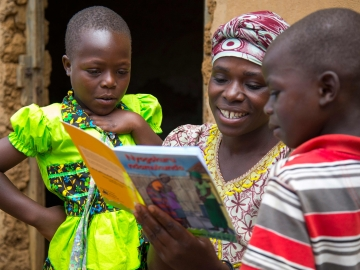 New Stanford study finds effective way to improve literacy in developing countries. (Photo courtesy of Save the Children)